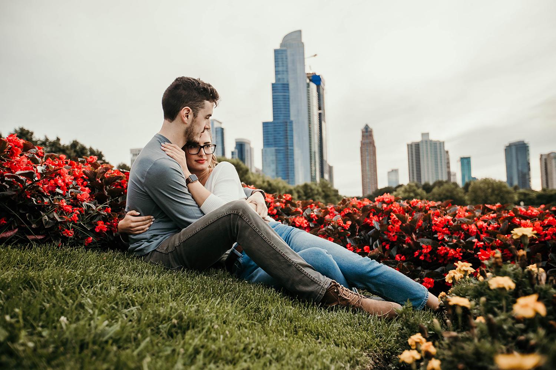chicago couple cuddling in garden
