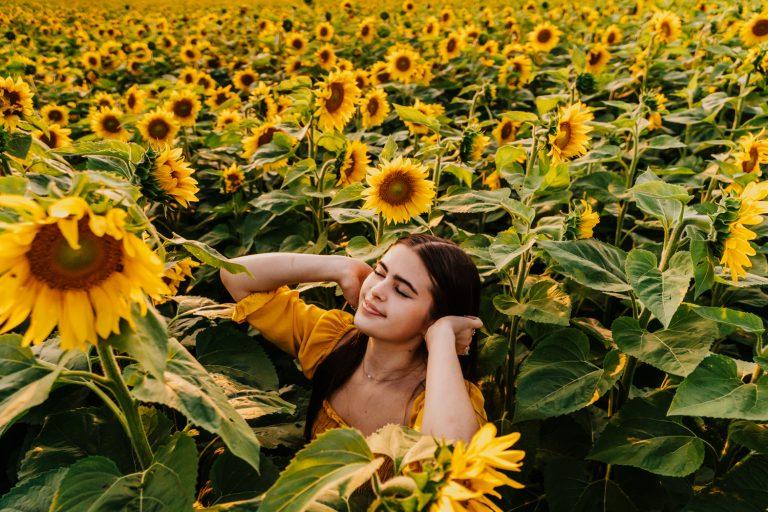 Traverse City Senior Photographer in Williamsburg Sunflowers